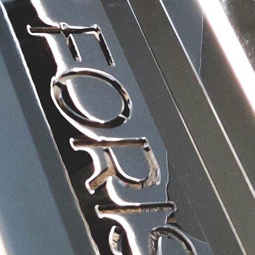 Foris - Brand Light Design